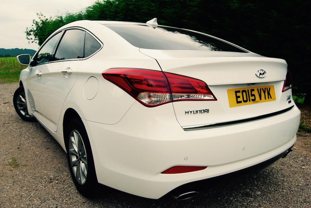 hyundai i40 white rear 3/4