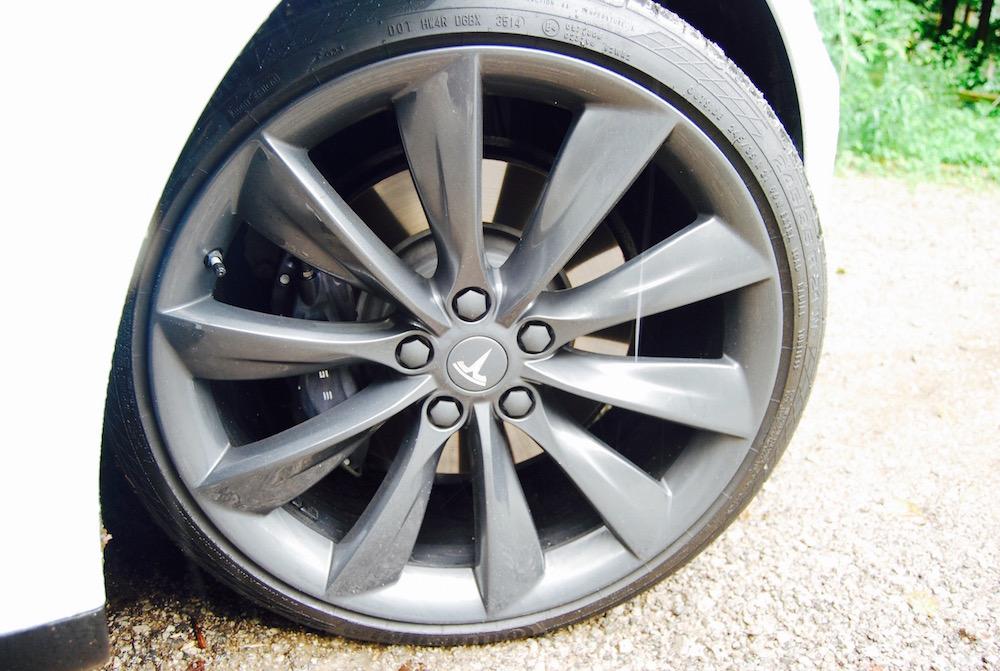 Tesla Model S 21'' wheel