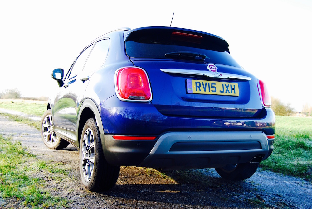 Fiat 500x off road rear purple