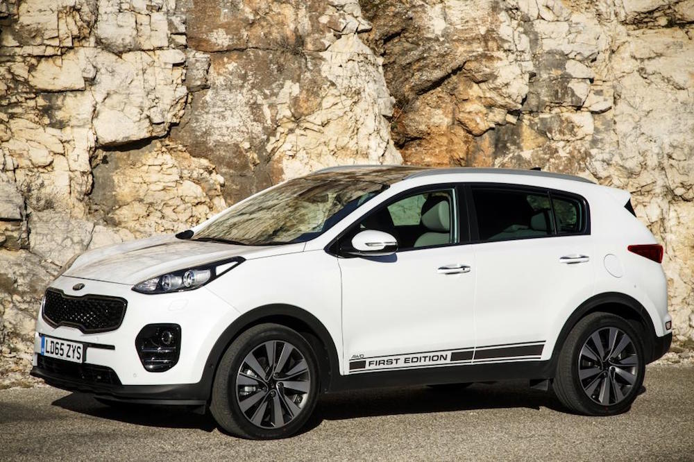 new kia sportage first edition white
