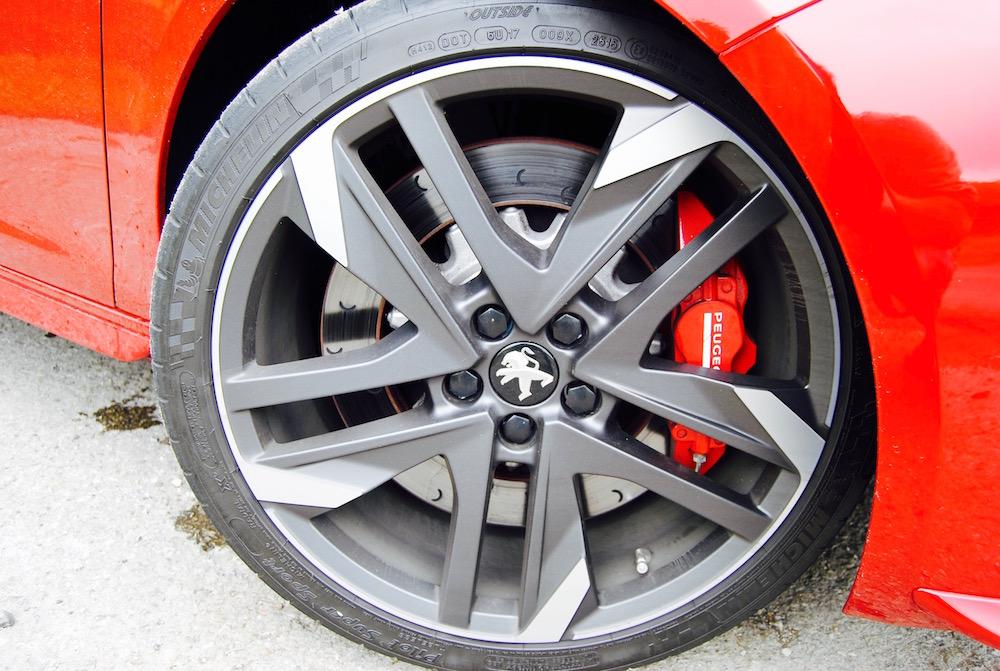 Peugeot 308 GTi carbone wheel review