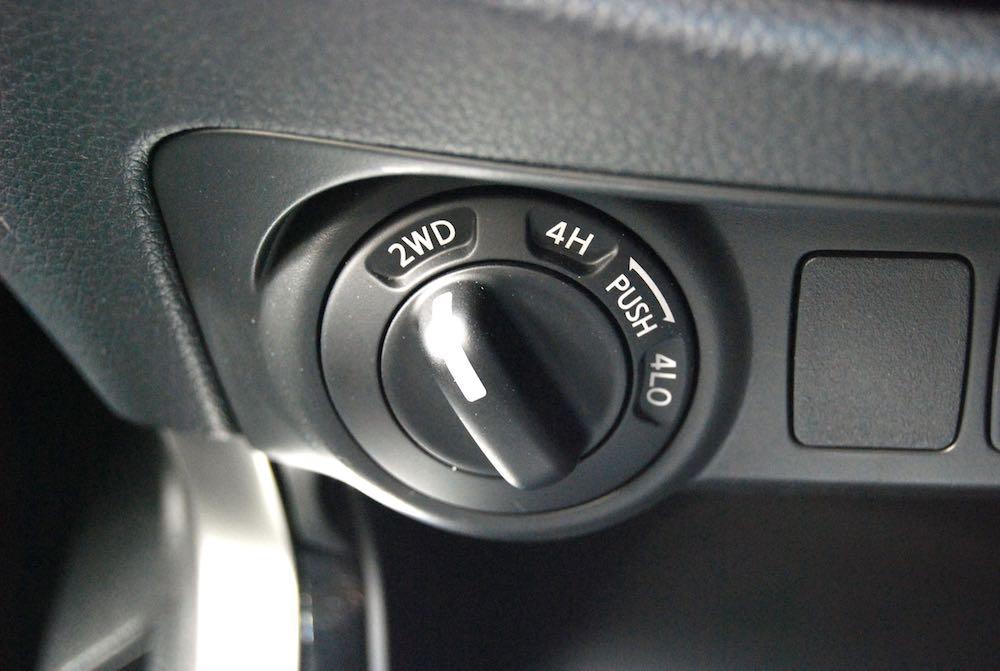 Nissan Navara 4wd dial