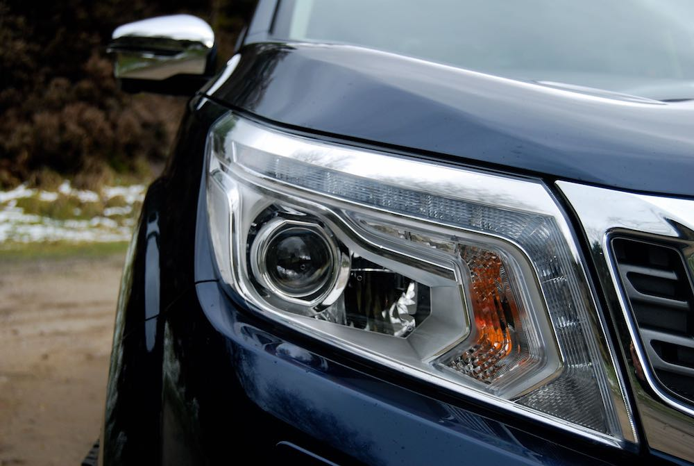 Nissan Navara Tekna blue headlight