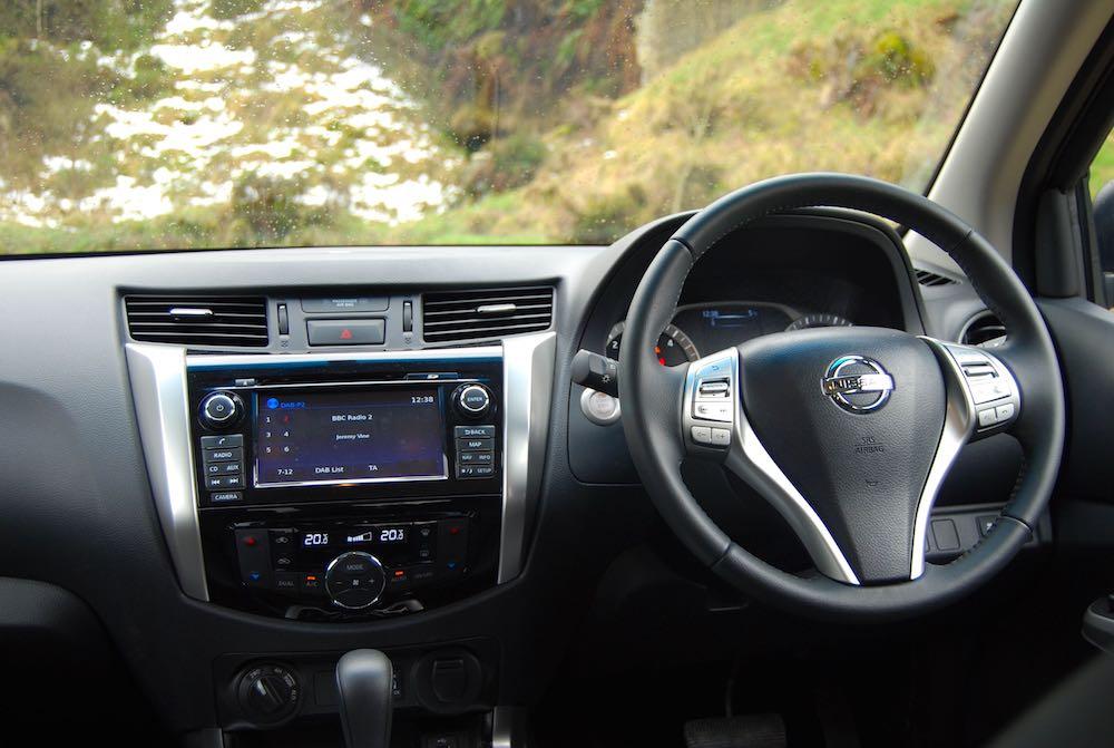 Nissan Navara Tekna cabin interior - Driving Torque