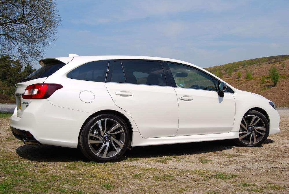 Subaru Levorg GT White side