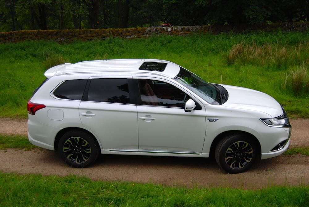 mitsubishi outlander phev white side