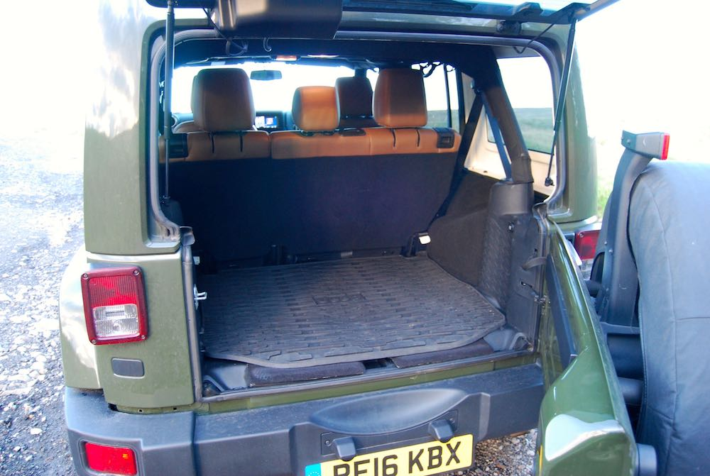 Jeep Wrangler 75th green boot