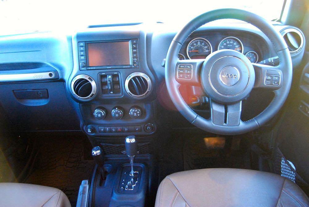 Jeep Wrangler 75th interior