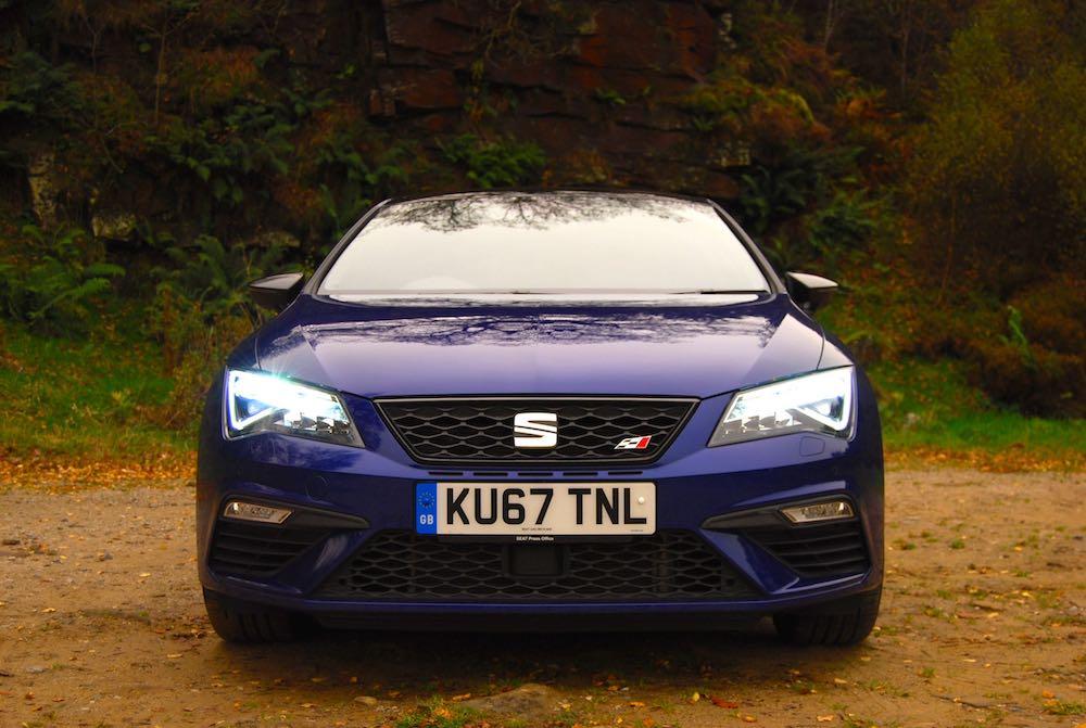 Leon Cupra 300 blue front
