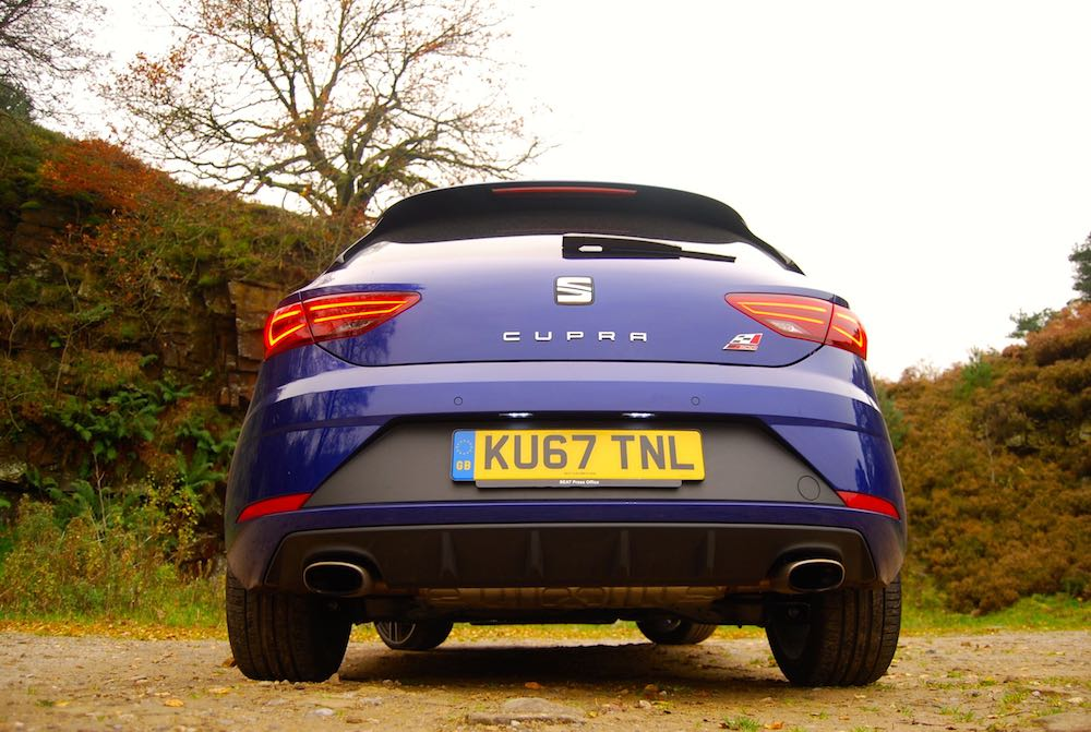 Leon Cupra 300 blue rear