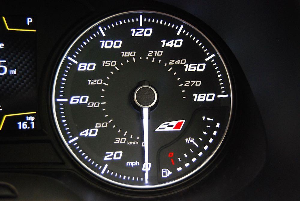 Leon Cupra 300 speedometer