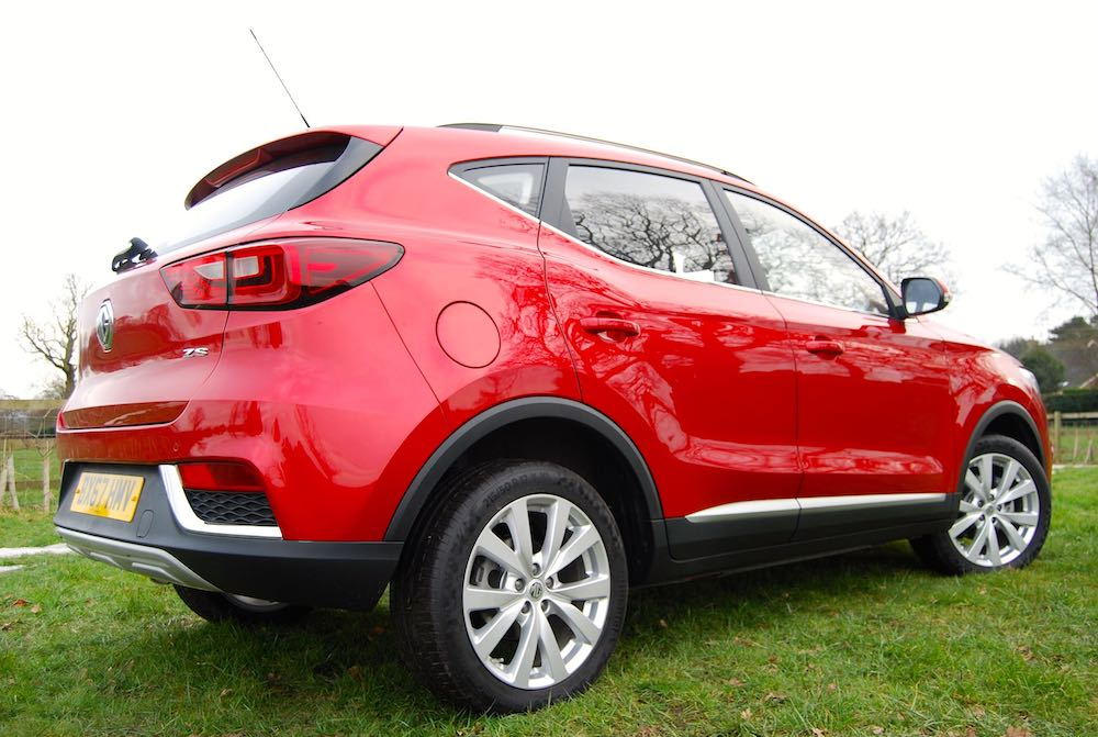 mg zs rear side red