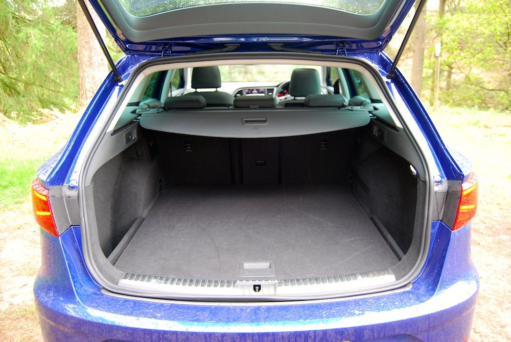 seat leon st boot trunk