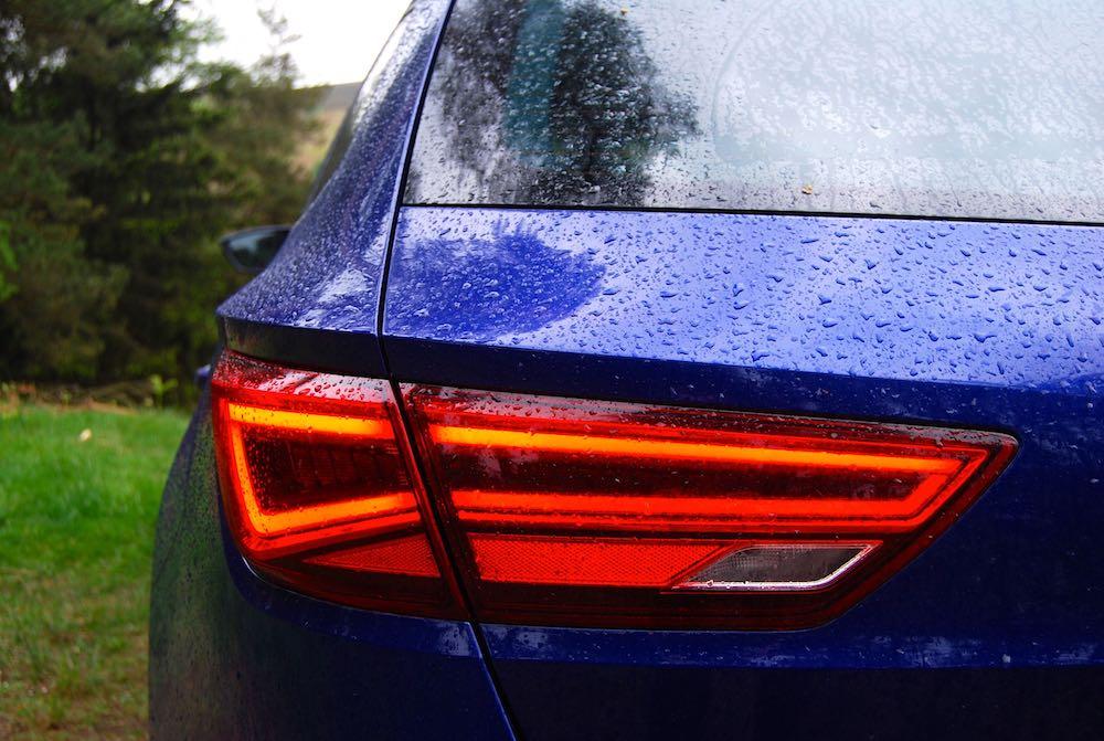 seat leon st rear light