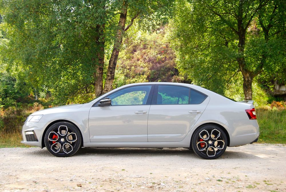 Skoda Octavia vRS 245 grey side