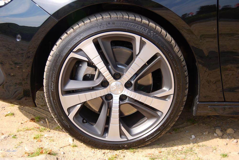 peugeot 308 sw gt wheel