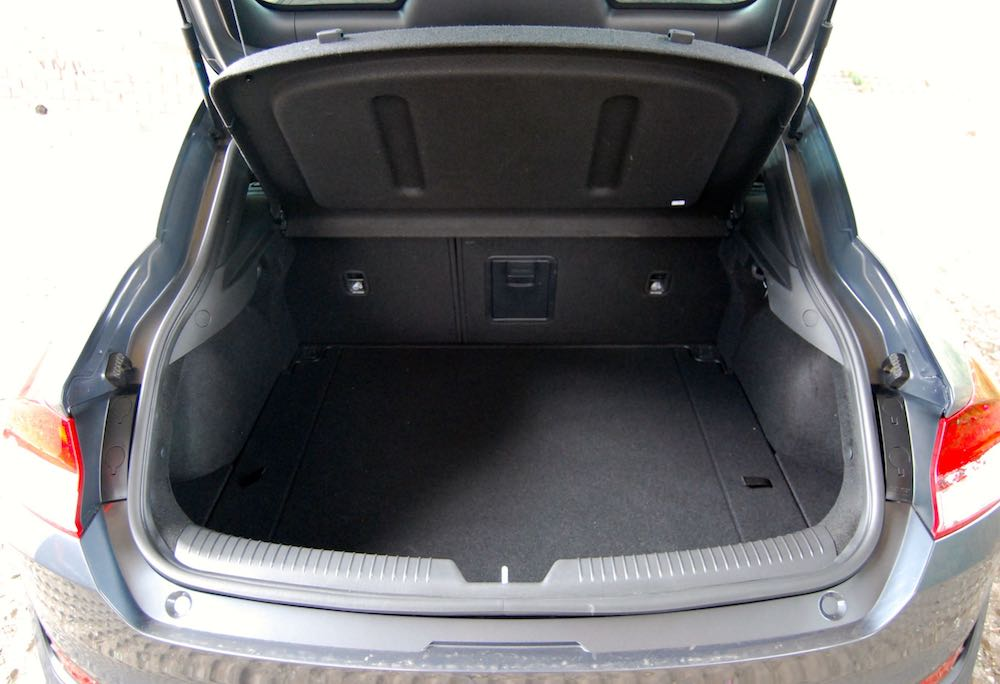 hyundai i30 fastback review boot