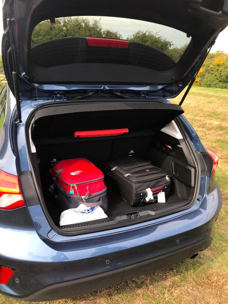 2019 ford focus boot trunk review