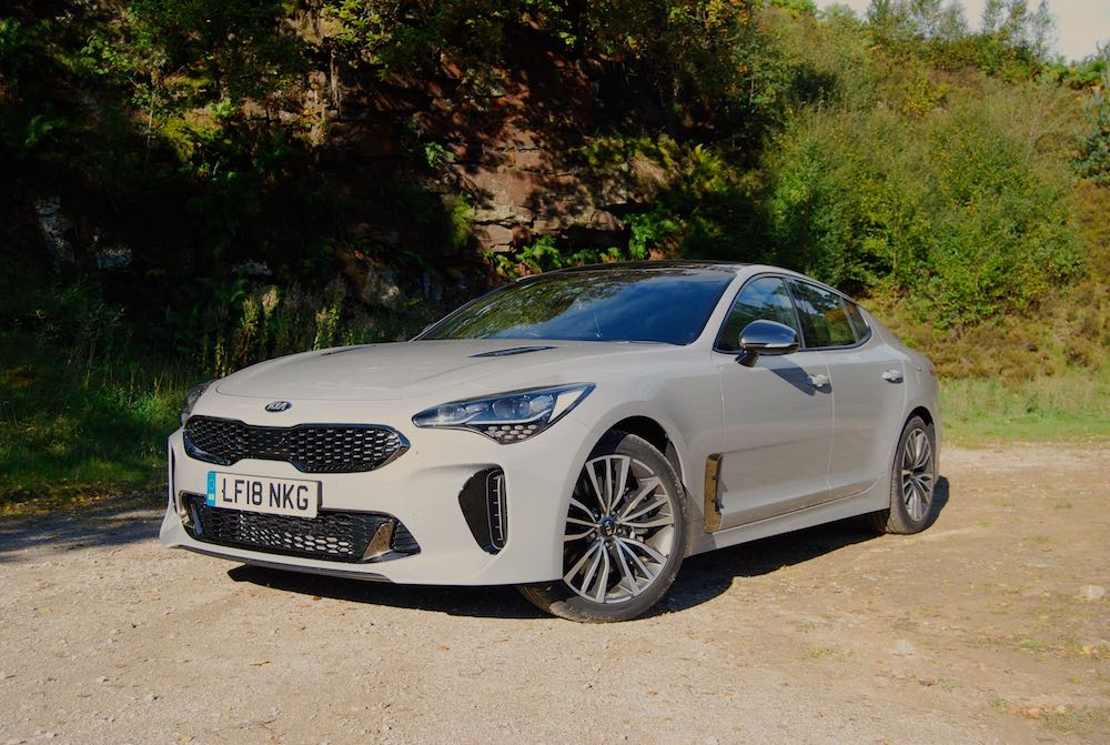 kia stinger gt grey front side reveiw roadtest