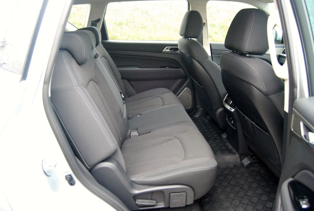 ssangyong rexton rear seats review
