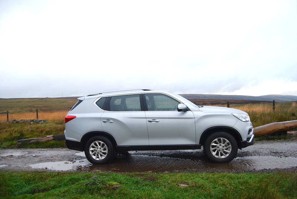 ssangyong rexton silver side off road review