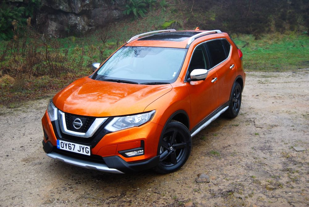 Nissan X-Trail orange front side high review roadtest