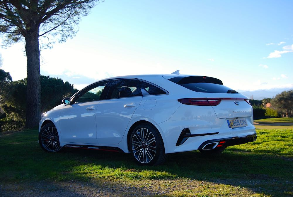kia proceed gt white rear side review roadtest