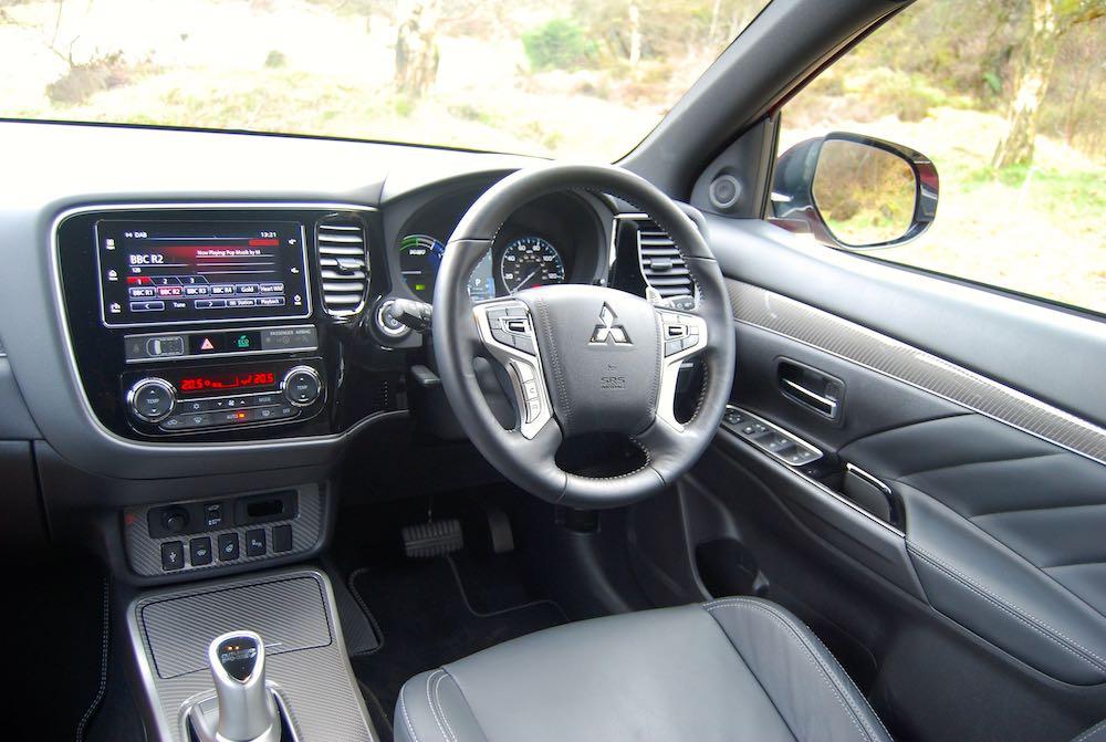 2019 mitsubishi outlander phev interior cabin review roadtest