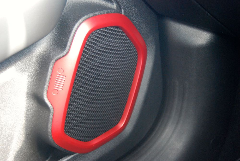 2019 Jeep Renegade trailhawk speaker grille review roadtest