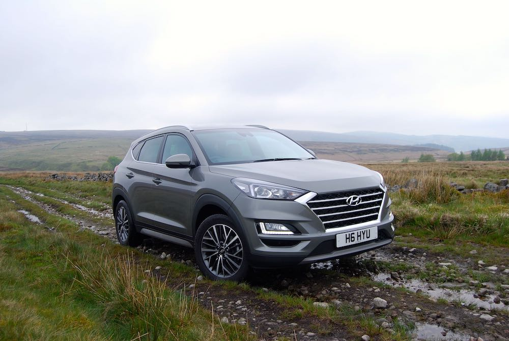 2019 hyundai tucson mild hybrid grey front side off road