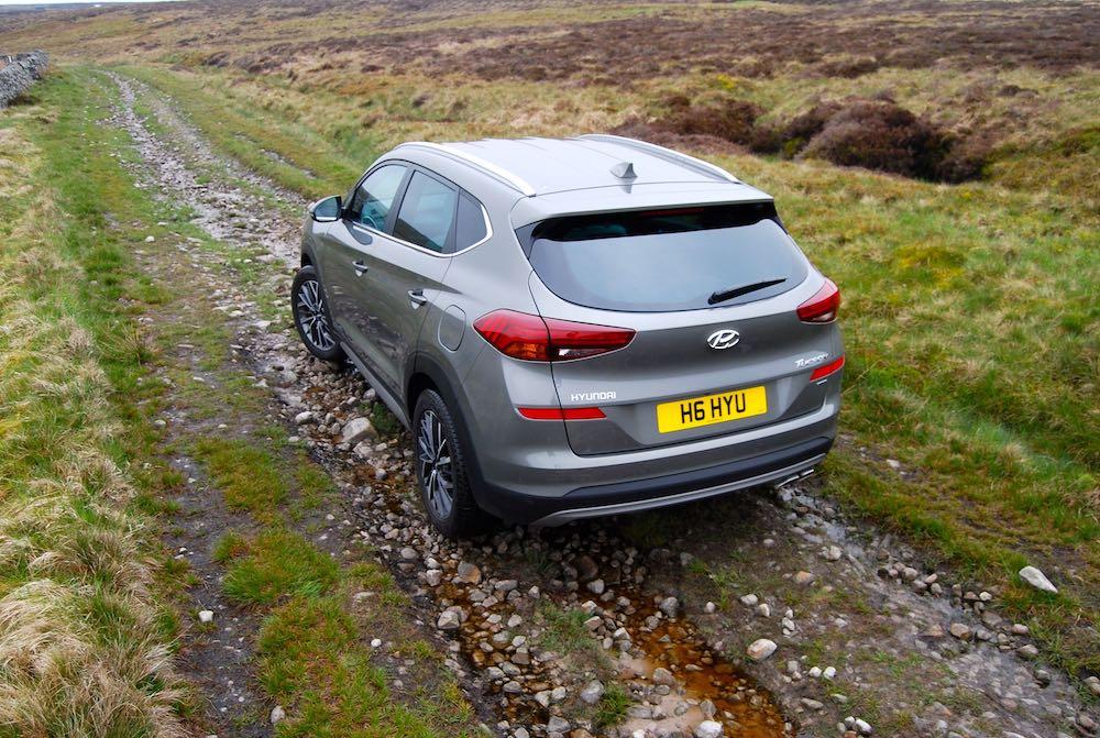 2019 hyundai tucson mild hybrid grey rear reveiw roadtest off road