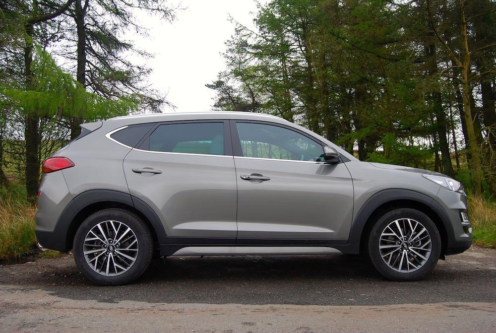 2019 hyundai tucson mild hybrid grey side review roadtest
