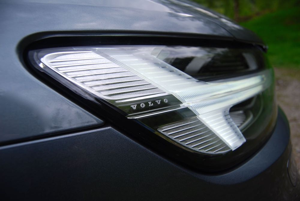 2019 volvo v60 r design thor hammer headlight review roadtest