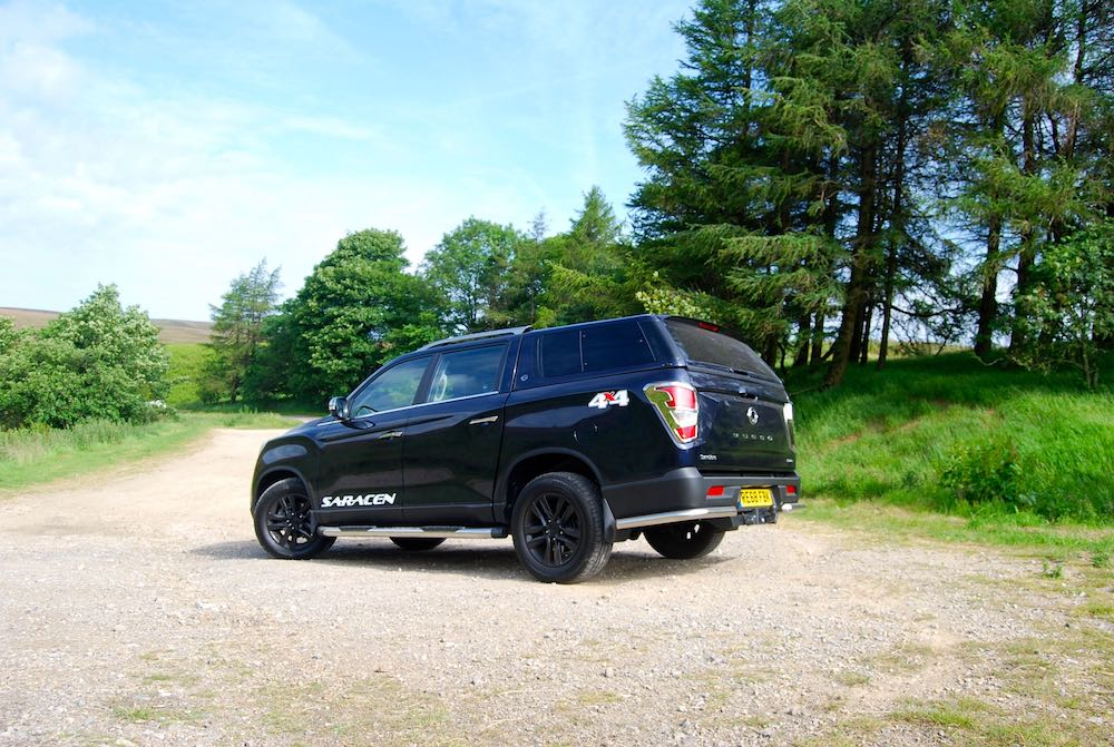 2019 SsangYong Musso Saracen Blue low dust Review Roadtest
