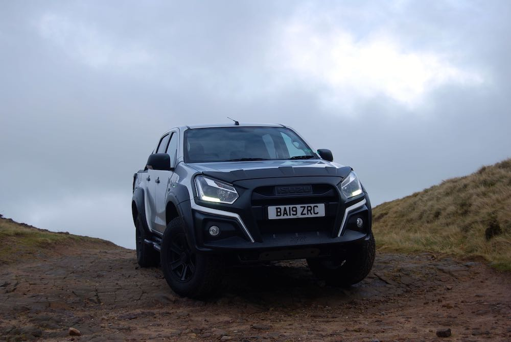 2020 isuzu dmax xtr front review roadtest