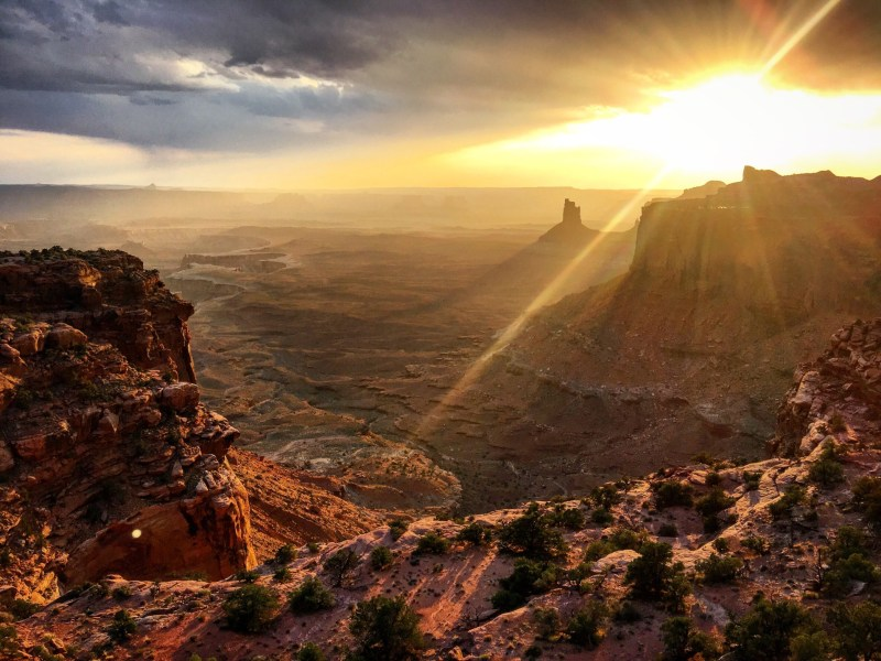 Experience Canyonlands National Park's beauty by boondocking!