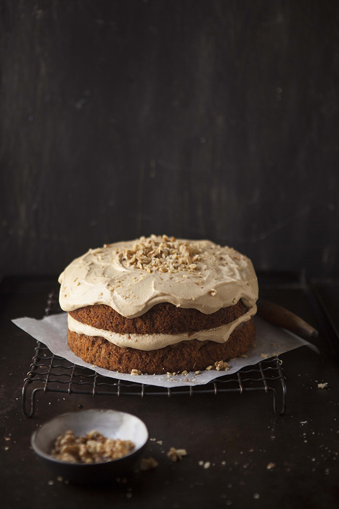apple-banana-cake-caramel-frosting