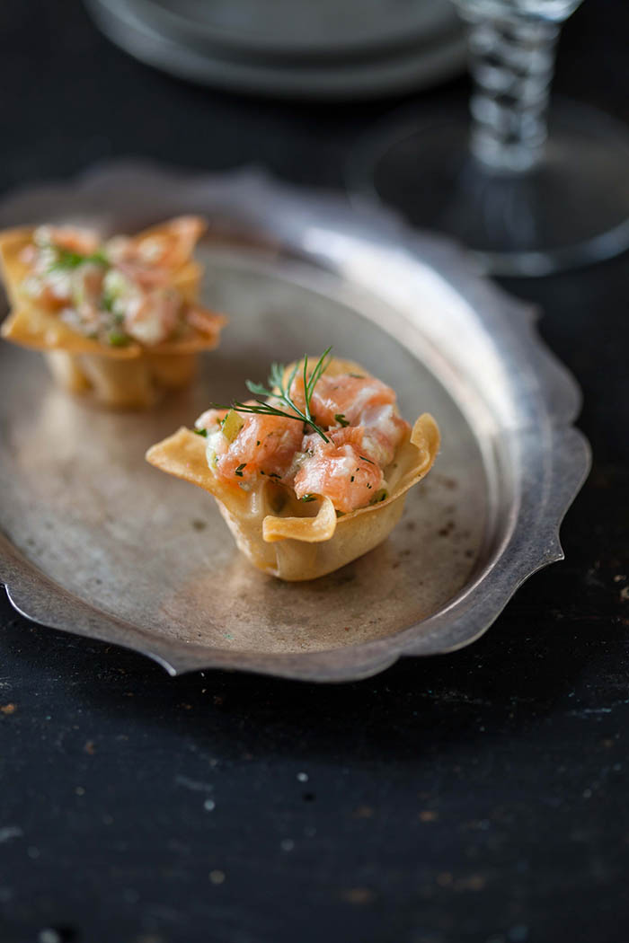 salmon tartare in wonton cups