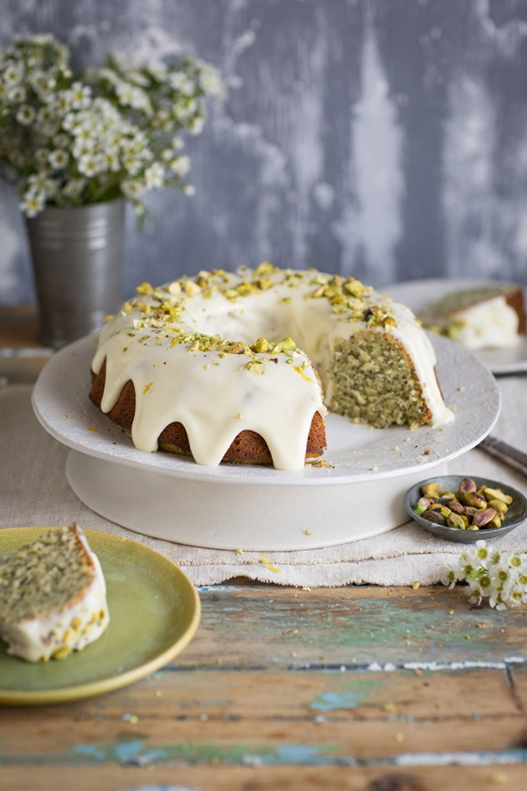 lemon poppyseed yoghurt cake