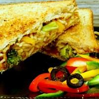 Stir-fry noodles in a sandwich