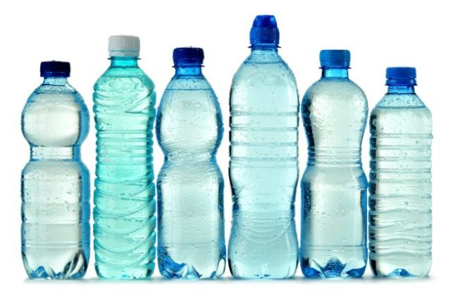 Garrafas plásticas possuem BPA na sua composição