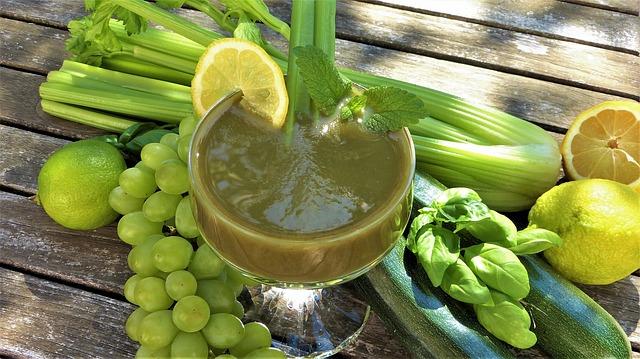 smoothie-2303616_640 Prevenir Estrias e Celulites e Usar Biquíni Neste Verão