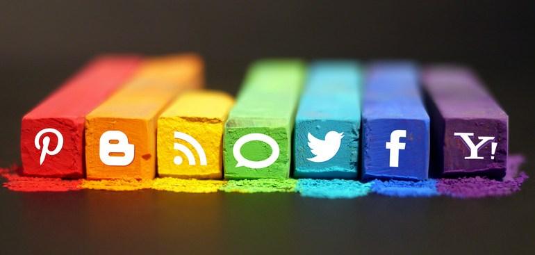 Social media: fewer words, better visuals