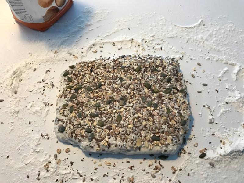 opskrift på rundstykker grove rundstykker grovrundstykker langtidshævede langtidshævet hjemmebagte