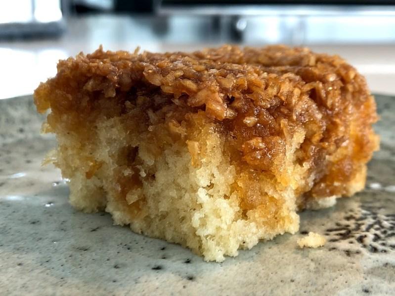 drømmekage opskrift drømmekagen fra brovst drømmekage med ekstra snask fyld topping blød bund bedste opskrift god fantastisk