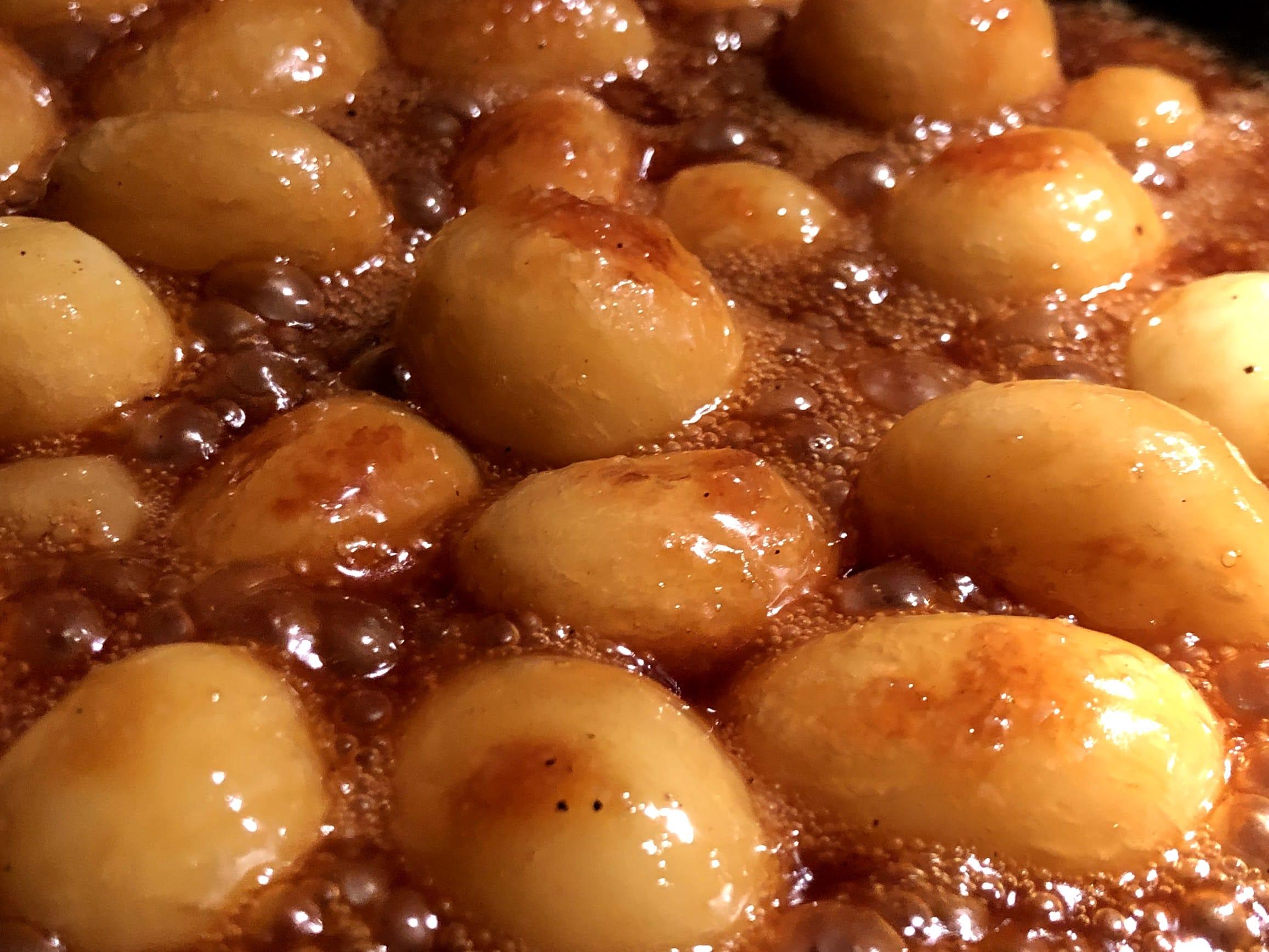 Brunkartofler brune kartofler brunede kartofler opskrift hvordan laver man  sukker  hvad er den bedste kartoffel til hvilke kartofler er bedst til brunkartofler