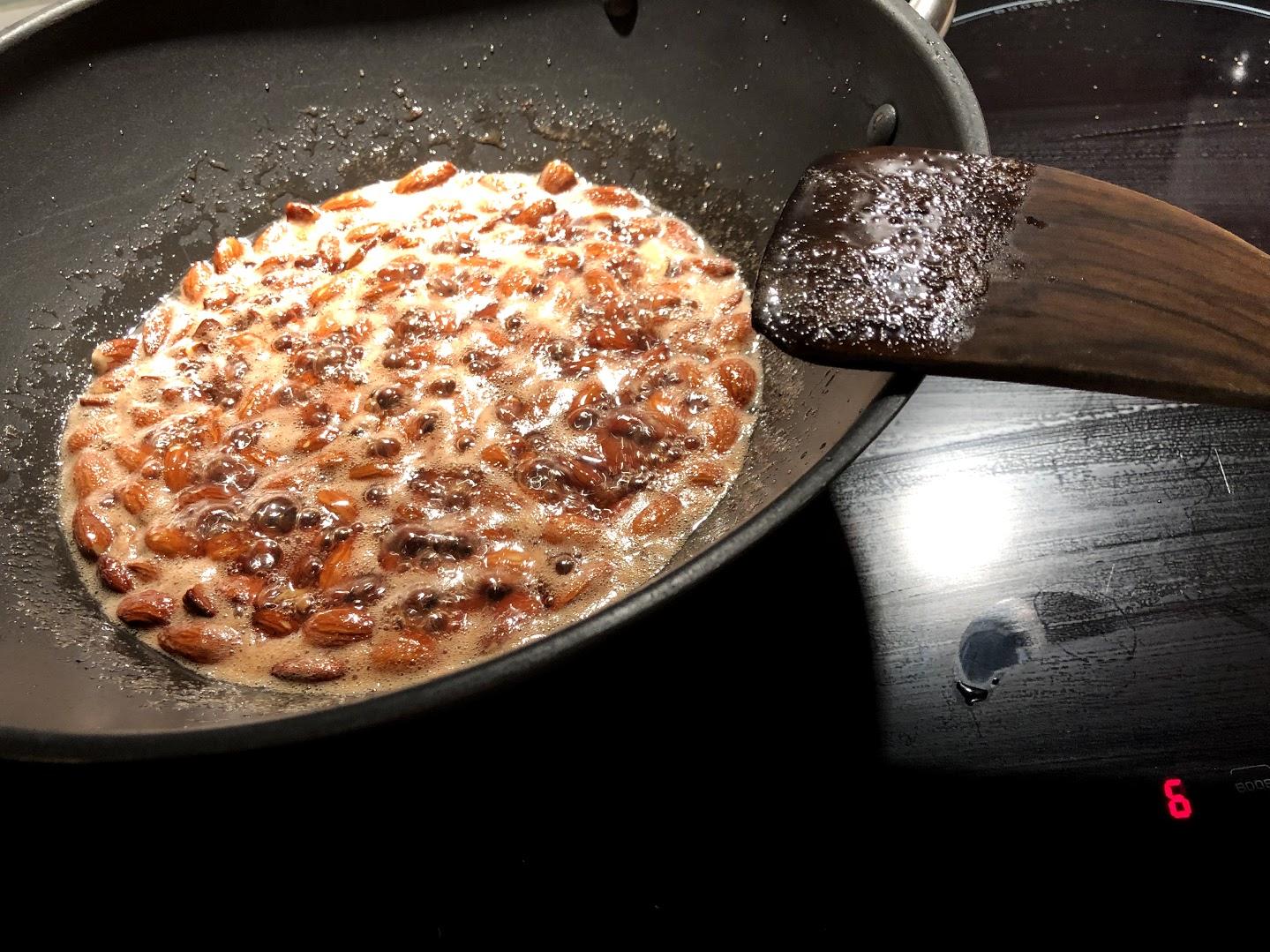 brændte mandler hjemmelavede karamel mandler karameliserede sukker julemandler sukkermandler opskrift på sådan laver du hvordan laver man karamelliserede