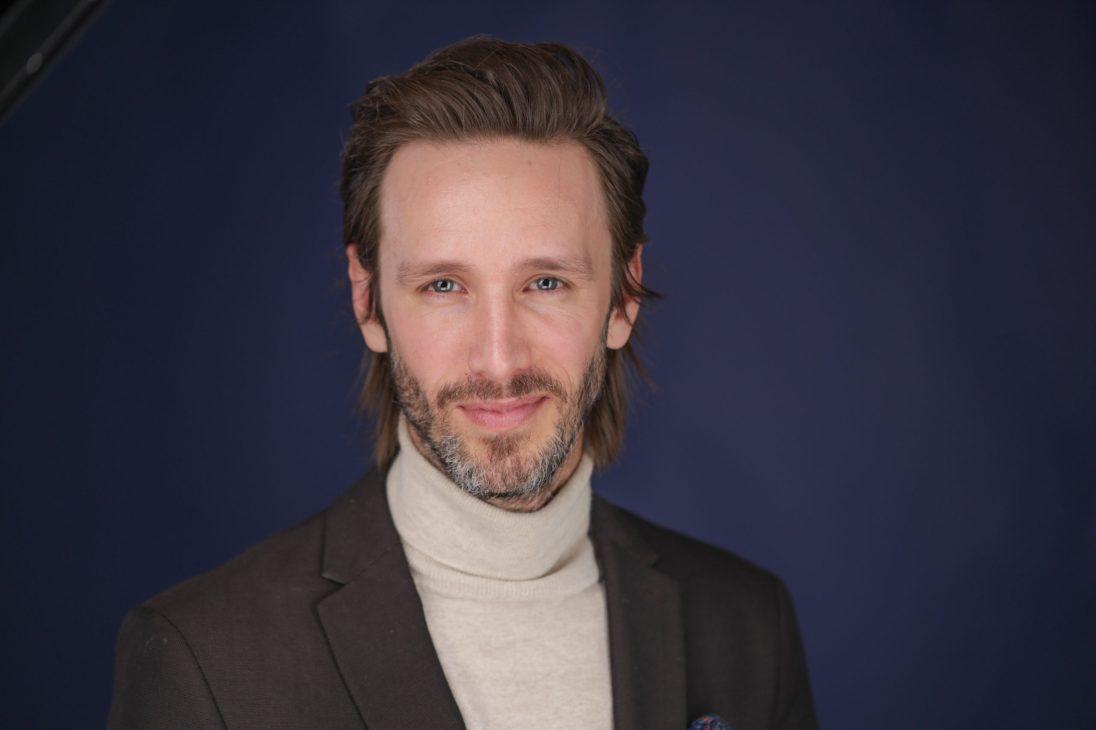 Dr. Kyle Stanley SSC no smile