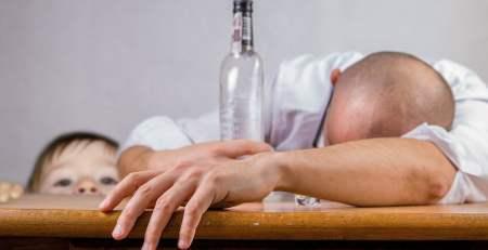 alkolik anne baba ebeveyn