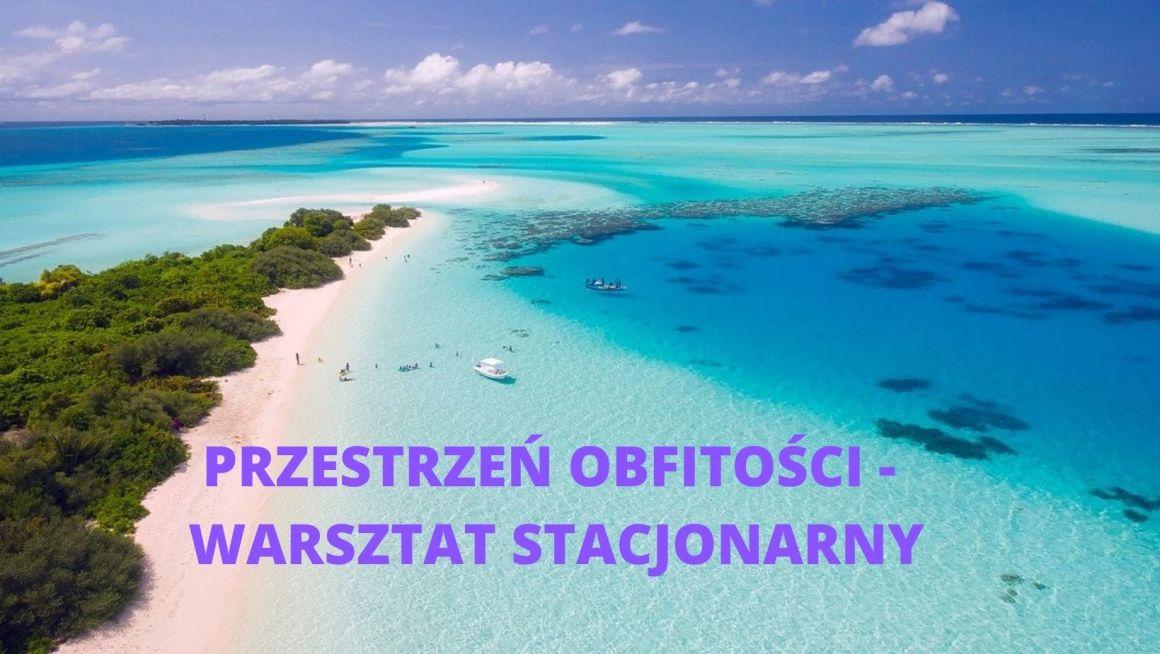wyspa malediwy i słowa przestrzeń obfitości
